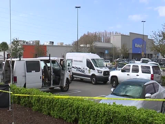 Strong odor in Walmart parking lot leads police to body inside