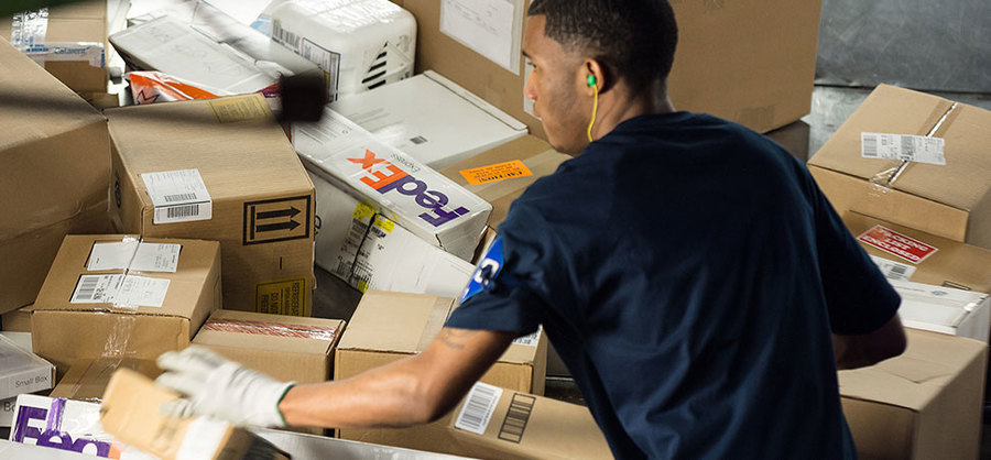 Need a holiday job? These companies are hiring seasonal help in Indy - fedex careers