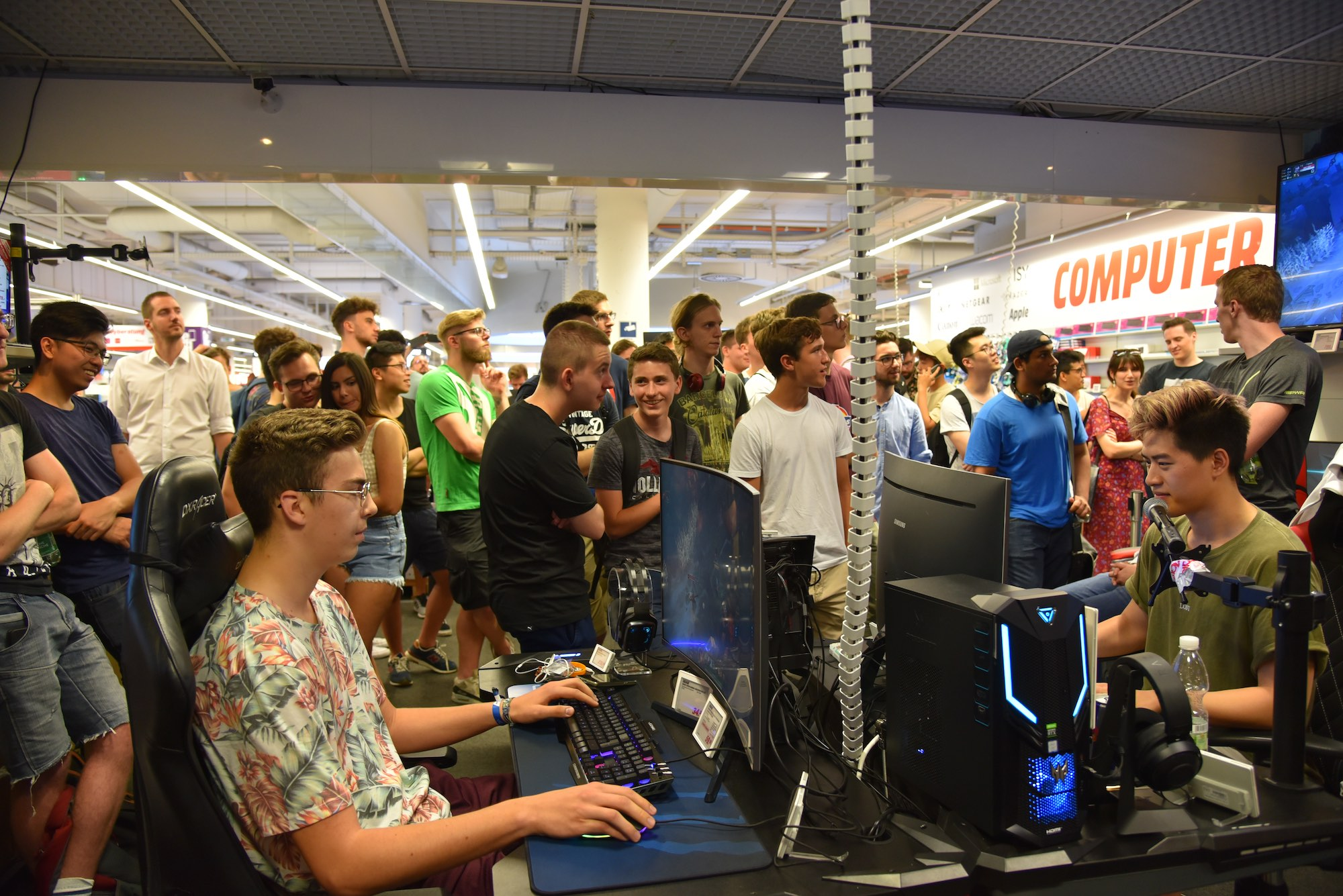 Gamer Sessel Media Markt Großer Ansturm Auf Gaming Event Mit Eni Mediamag At