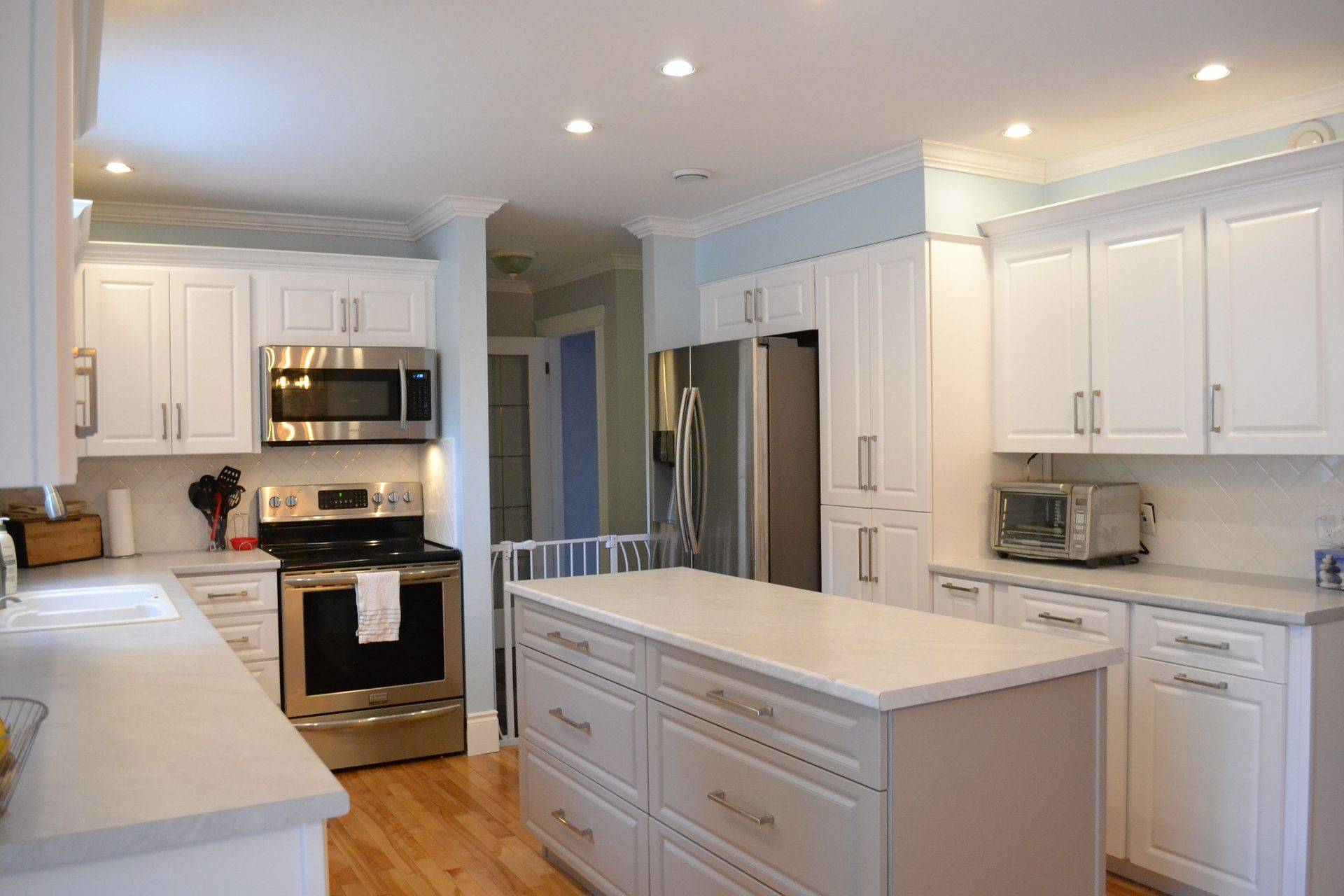 Kitchen Cabinets Repair Calgary Professional Cabinet Refacing And Door Refinishing Edmonton