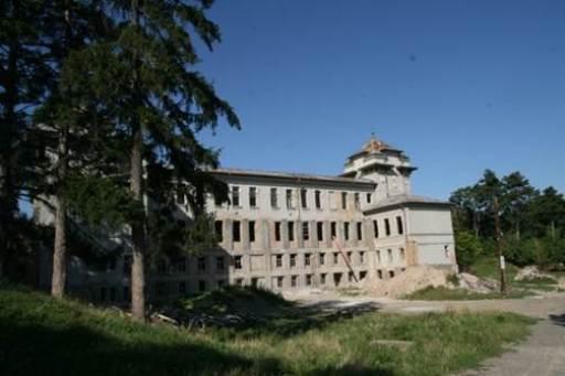 Scoala Vasile Lupu, lucrări abandonate, necesită intervenție urgentă