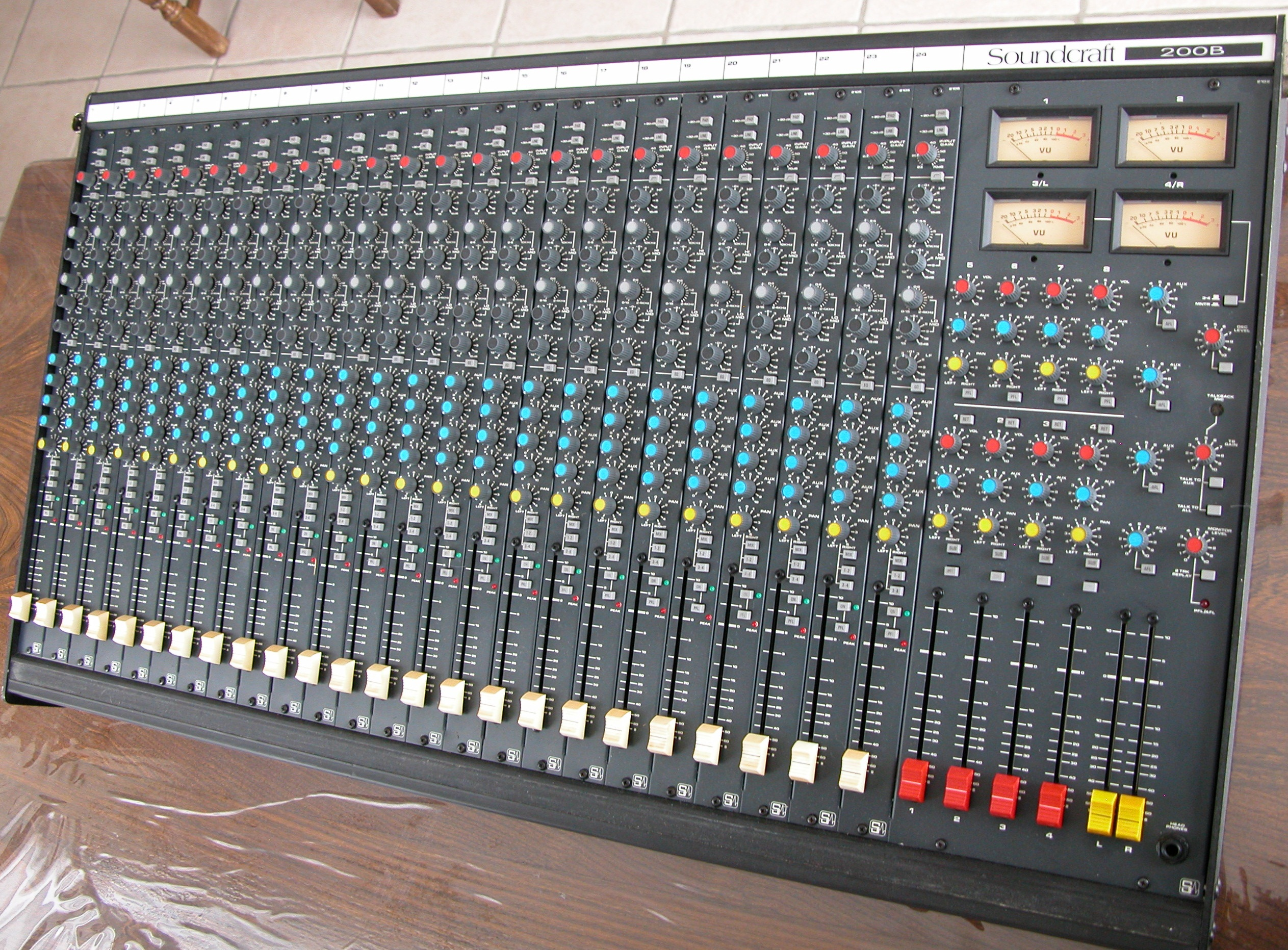 Table De Mixage Numérique Occasion Table De Mixage Soundcraft Occasion