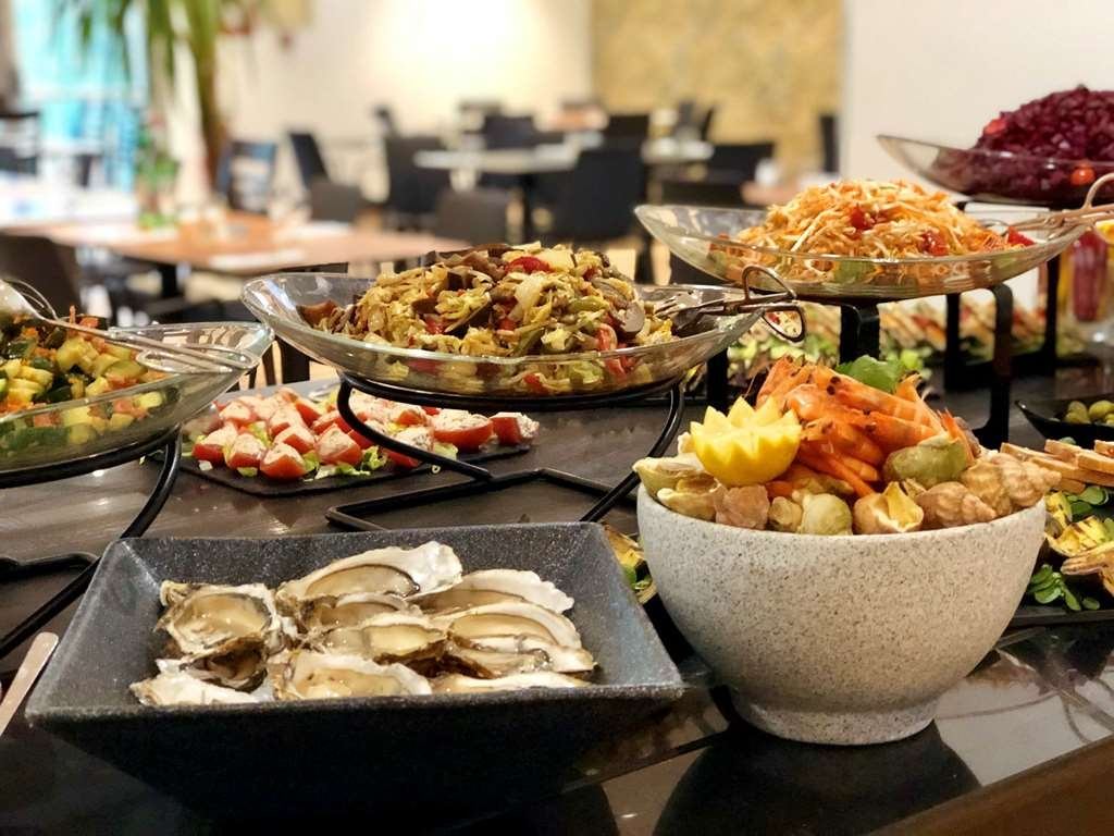 Buffet Fly Occasion Hotel In Roissy En France Best Western Paris Cdg Airport