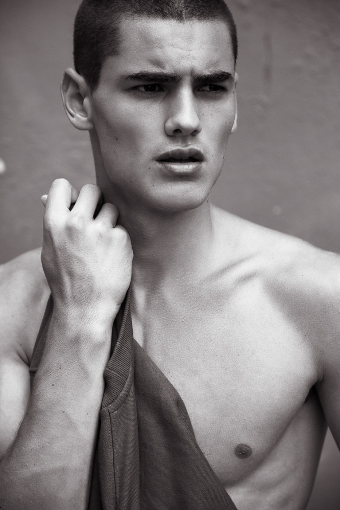 Media Storage Caspar Thomas | Premier Model Management