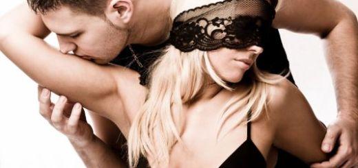 KISSING_533_355