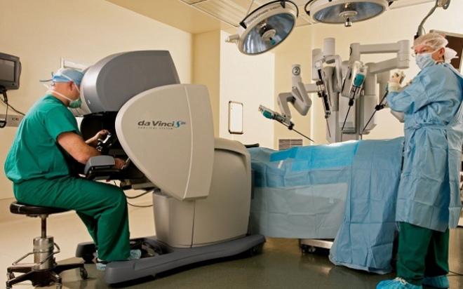 roboticsurgery1.medium.jpg