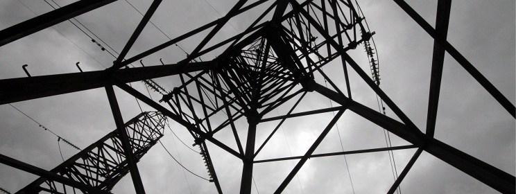 Stlp elektrickeho vedenia