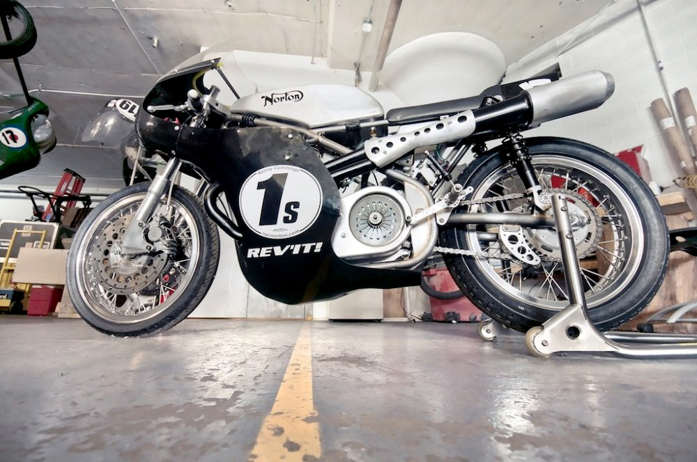 Seeley Norton :: Building A Vintage Racing Motorcycle (3)