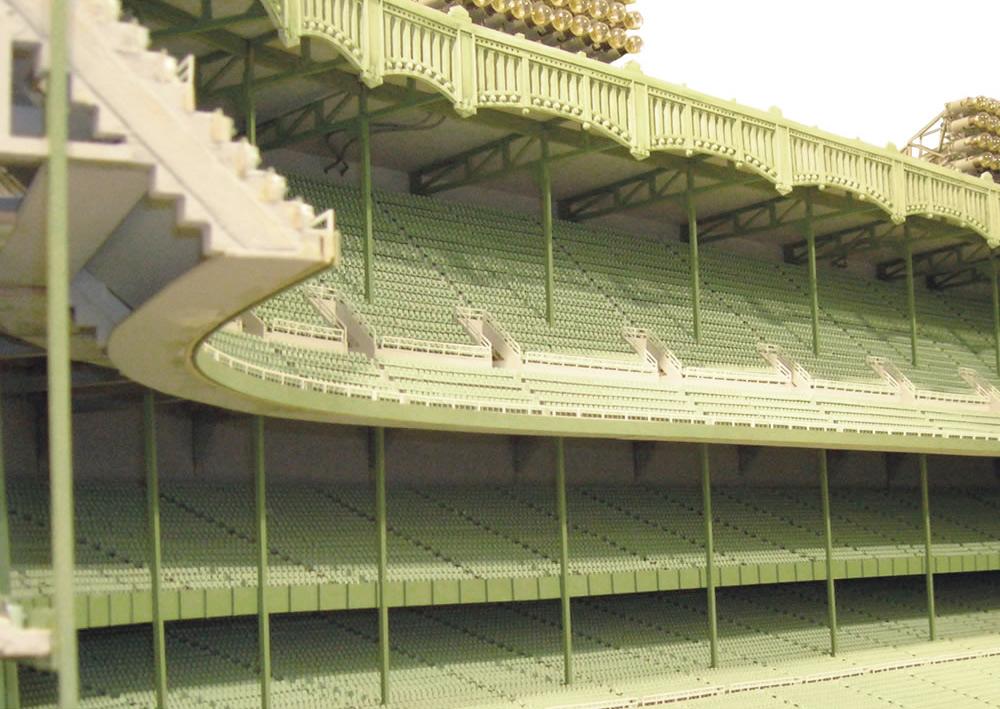 1/8 Scale 1961 Yankee Stadium :: Hammacher Schlemmer (4)