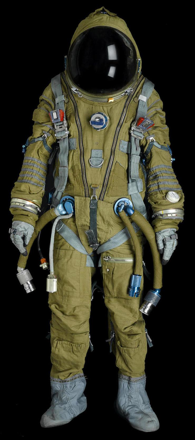 SOVIET SPACESUITS :: The Space History Sale - Bonhams