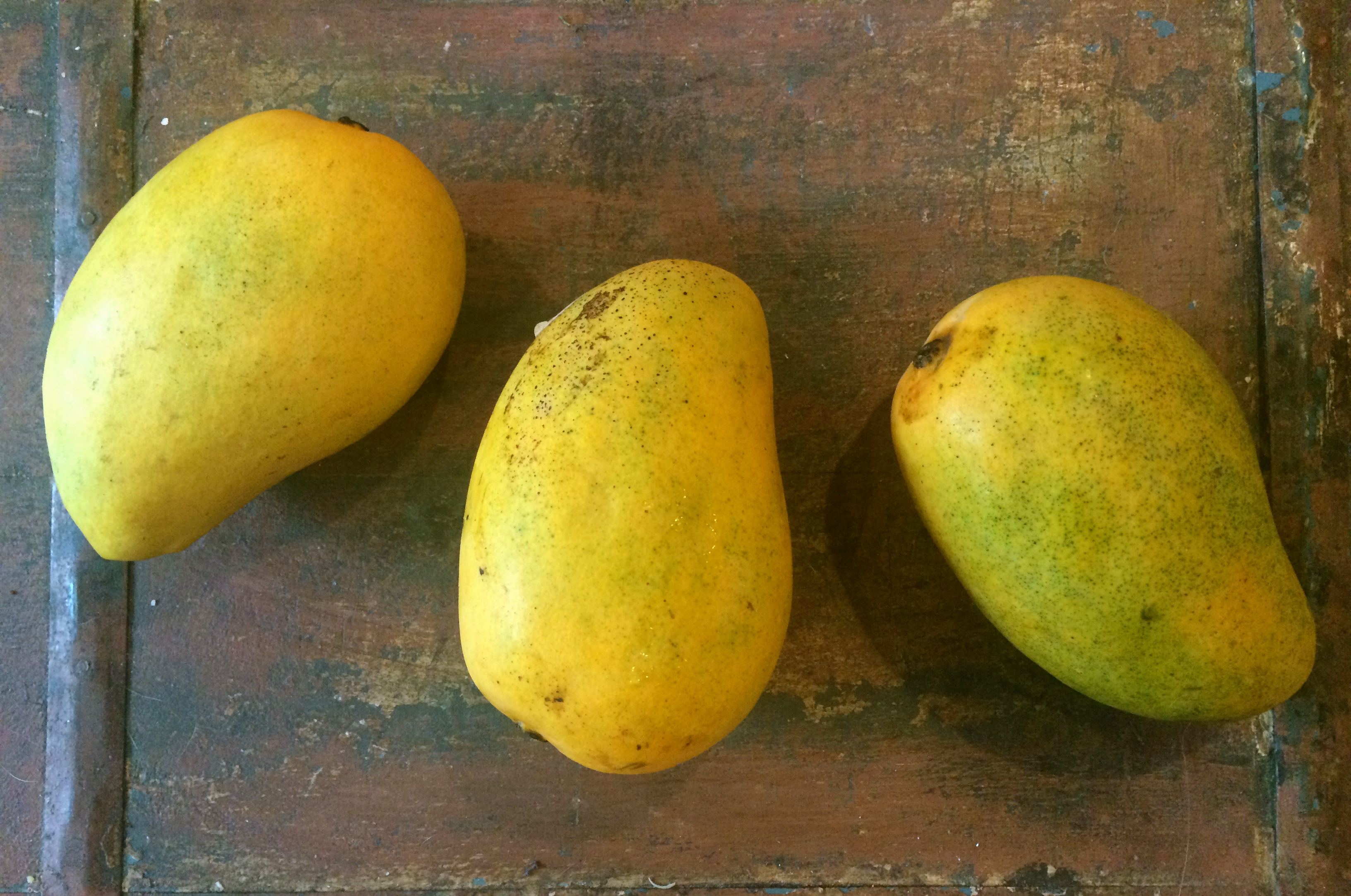 Tip: Don't Judge A Mango By The Color Of It's Skin! Look For Fresh Mangoes  That Yield Slightly To Pressure– That Means They're Ready To Eat,  Regardless Of