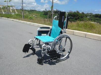スタンダード車いすのみ出来うる介助です。