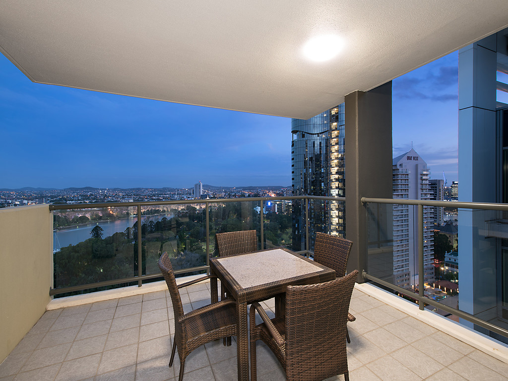 2 Bedroom Apartment Brisbane 2402 212 Margaret Street Brisbane City 4000 Sold 2 Bedroom