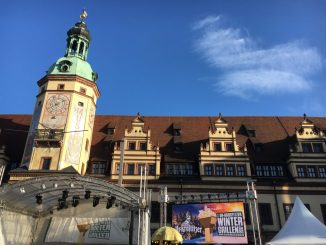 Das 7. Ur-Krostitzer-Wintergrillen steigt auf dem Leipziger Marktplatz.