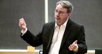 Linus Torvalds foi ou não sondado pelo governo dos EUA para colocar uma backdoor no Linux? (Spoiler: não)