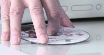 Microsoft diz que há espaço para vendas físicas e digitais