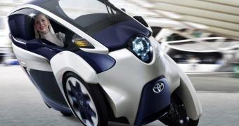 Toyota começa a produzir veículo elétrico de três rodas