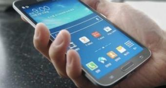Conheça o Galaxy Round, o smartphone-telha da Samsung