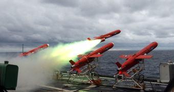 Fogo Amigo? Drones kamikazis atacam cruzador dos EUA