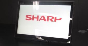 Sharp apresenta RW-16G1, tablet Windows de 15,6 polegadas restrito ao Japão