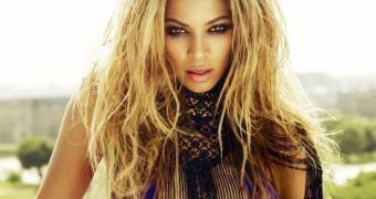 """Apple pressiona gravadoras a usarem o """"método Beyoncé"""" de divulgação de álbuns digitais"""
