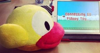 Um bicho de pelúcia que serve como controle para o Flappy Bird