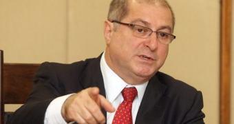 Paulo Bernardo defende que empresas de internet paguem mais impostos
