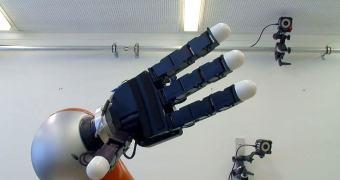 "Cientistas criam robô que ""pensa rápido"""