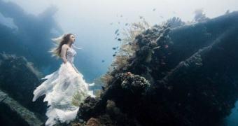 Fotografando um conto de fadas no fundo do mar