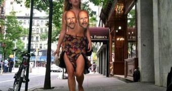 A inútil briga da filha do Bruce Willis nua pelada sem roupa vs Instagram