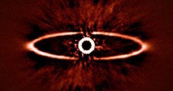 """""""Olho de Sauron"""" é observado pelo SPHERE, instalado no VLT, no Chile"""
