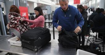 Por medida de segurança, alguns vôos nos EUA exigirão que você ligue o smartphone