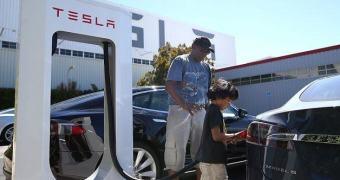 Tesla confirma abertura de megafábrica de baterias em Nevada