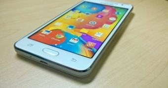 """Surgem imagens do Galaxy Grand Prime, o """"selfiephone"""" da Samsung"""