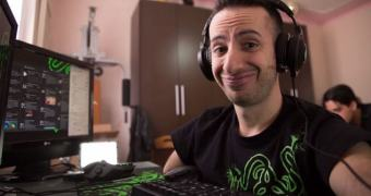 O jogador sem mãos que chegou à elite do League of Legends