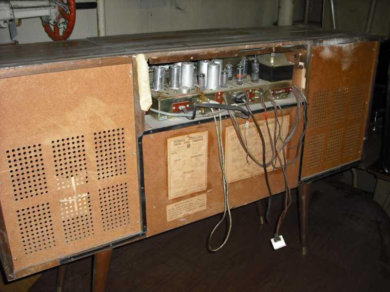 Vintage Jvc Delmonico Model 1330 Stereo Console W