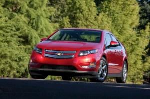 2013-Chevrolet-Volt-003-medium