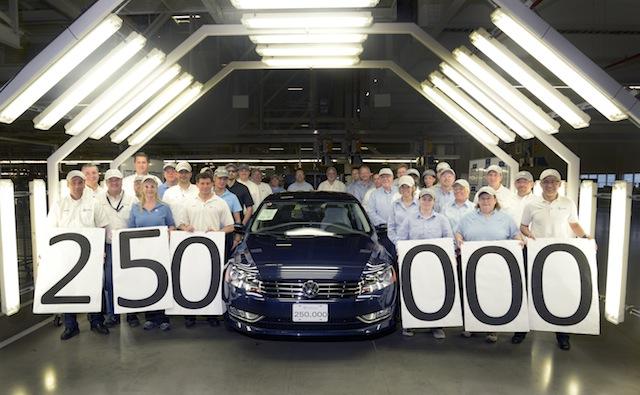 Volkswagen produce el Passat 250 mil en Chattanooga.