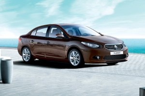Renault-Fluence-2013-frente-lateral