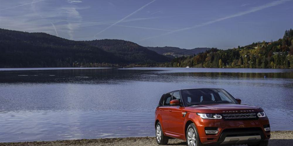 El Range Rover Sport se llevó el reconocimiento en el segmento de SUV medianos.