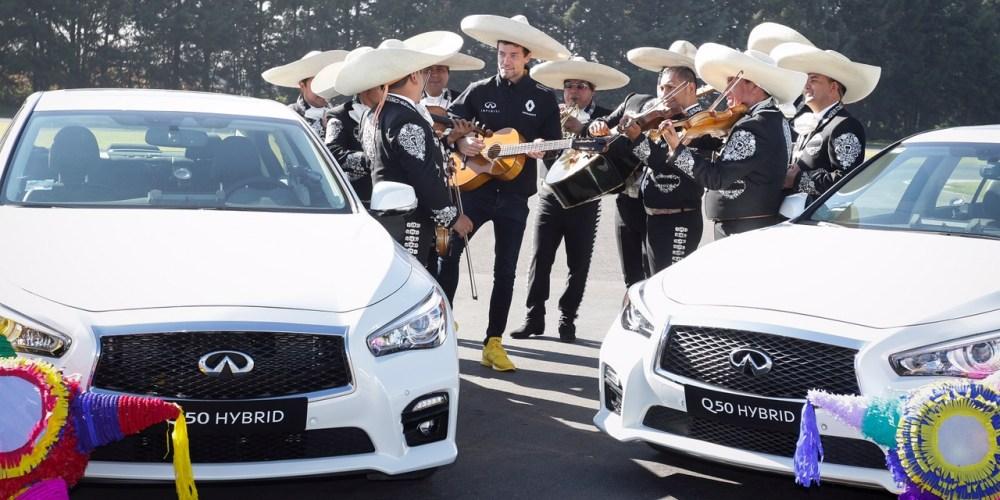 Jolyon Palmer y Memo Lira en una carrera con sabor muy mexicano