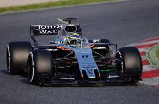 Buen balance de Checo Pérez en el primer día del F1 Testing.