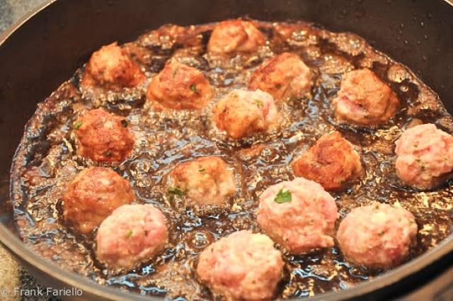 Zitoni al forno con le polpettine (Baked Ziti with Tiny Meatballs ...