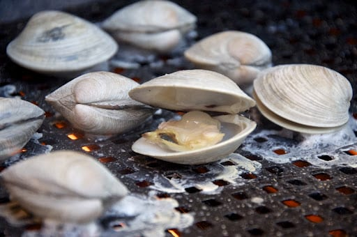 Quick Note: Vongole alla brace (Grilled Clams)