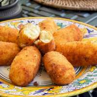 Crocchette di patate (Potato Croquettes)