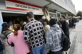 Balears vuelve a liderar la bajada del paro: cae un 12,4% en abril