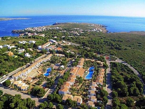 Siete hospitalizaciones en dos semanas por un virus estomacal en un resort de Menorca
