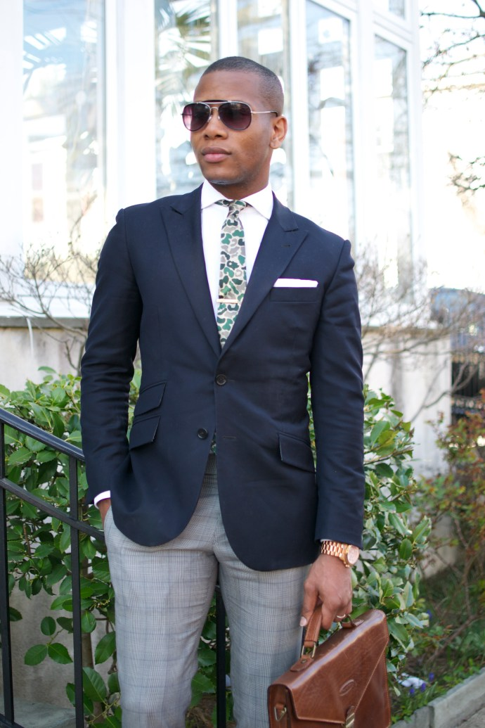 Sabir Peele in Hugh & Crye Cutaway Collar shirt