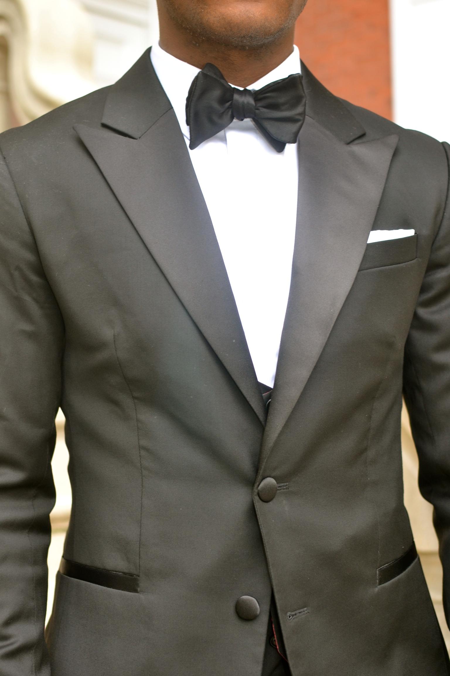 Sabir Peele in Dragoin Inside Tuxedo