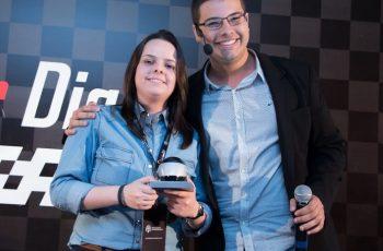 Camila Porto: Como Gerar Negócios na Maior Rede Social do Mundo – Palestra Acelerador Ao Vivo 2015